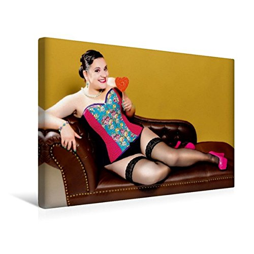 and 45 cm x 30 cm quer, XXL Dessous Girls | Wandbild, Bild auf Keilrahmen, Fertigbild auf echter Leinwand, Leinwanddruck: Model in ... einen Lolli auf dem Sofa (CALVENDO Menschen) (übergewicht Dessous)