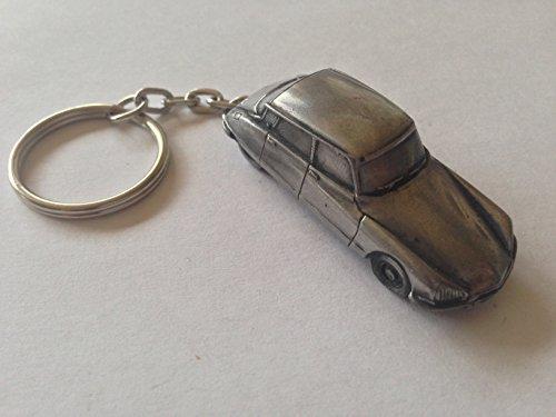 citroen-ds2-late-version-3d-split-ring-keyring-full-car-ref39