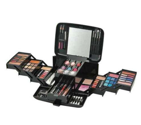 Afeite Pretty Pink Deluxe Make-up Set And Cosmetics Case. by choicefullshop