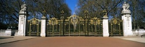 The Poster Corp Panoramic Images - Canada Gate at Green Park City of Westminster London England Photo Print (45,72 x 15,24 cm)