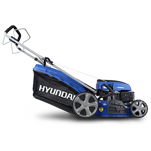 The Hyundai HYM460SP 4-stroke Petrol Lawn Mower has some great features that make it a strong contender against some of the top-rated lawn-mowers on the market. Its clever foldable design and powerful engine work in tandem with each other, and the four cutting methods and different cutting heights make it such a versatile machine.