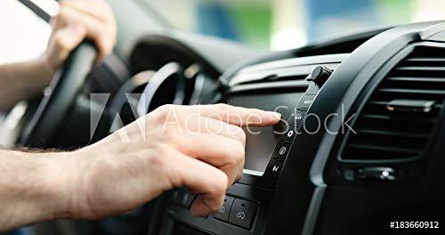 druck-shop24 Wunschmotiv: Man Using GPS Navigation System In Car to travel #183660912 - Bild auf Forex-Platte - 3:2-60 x 40 cm / 40 x 60 cm (In-car Navigation System)