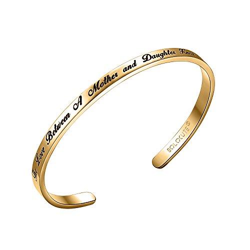 Solocute Gold Damen Armband mit Gravur The Love Between A Mother and Daughter Knows No Distance Inspiration Frauen Armreif Schmuck