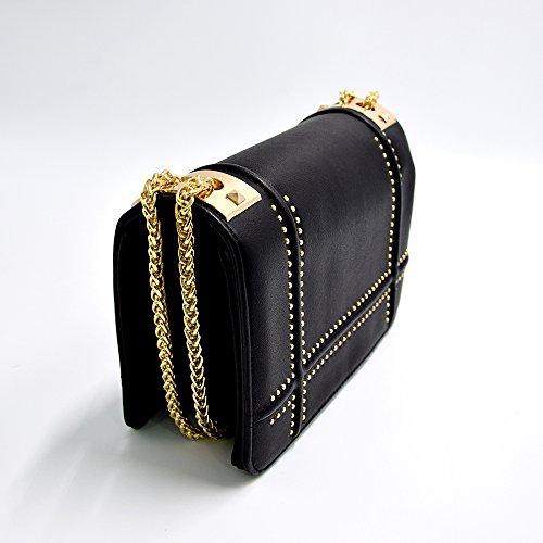 CRAZYCHIC - Damen Nieten Tasche - Kleine Umhängetasche - Kettenhenkel Handtasche - Gold Kette Schultergurt - Kettentasche Leder imitat Schultertasche - Gesteppt Klappe Mode Luxus Clutch - Kamel Braun Schwarz