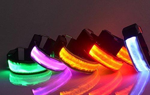UChic 4 STÜCKE LED Arm Band Beleuchtung Armbinden Bein Sicherheits Bands Nachtlicht Sichere Warnung für Radfahren Gym Jogging Skating Party Schießen Bei Farbe nach dem zufall (Lockere Band Passform)