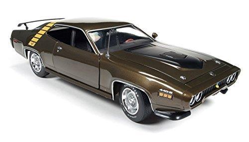 1971-plymouth-road-runner-hardtop-tawny-gold-metallic-118-auto-world-ertl-amm1063