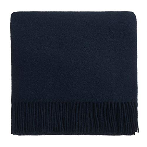 URBANARA 130x190 cm Lammwolldecke 'Miramar' Dunkelblau - 100% Reine Lammwolle - Ideal als Überwurf, Plaid oder Kuscheldecke für Sofa und Bett - Warme Wolldecke mit Fransen -