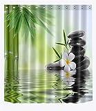 Spa Zen Duschvorhang Schwarze Steine türmen sich auf, Weiße Orchideen, Bambus reflektiert im Wasser Badezimmervorhang 150W x180H CM, Wasserdicht Anti-Schimmel Polyester Fabrik Wohnaccessoires mit Haken