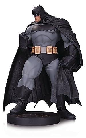 DC DESIGNER SERIES BATMAN BY ANDY KUBERT MINI STATUE