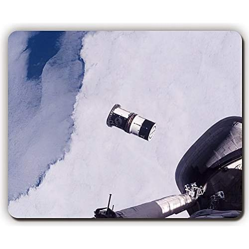 high quality mouse pad,shuttle ship flight window earth surface,Game Office MousePad size:260x210x3mm(10.2x 8.2inch)