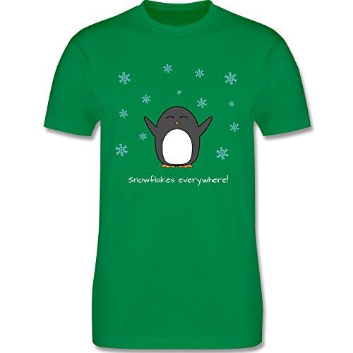 Weihnachten - Snowflakes everywhere! - Pinguin - Winter - L190 - Premium Männer Herren T-Shirt mit Rundhalsausschnitt Grün