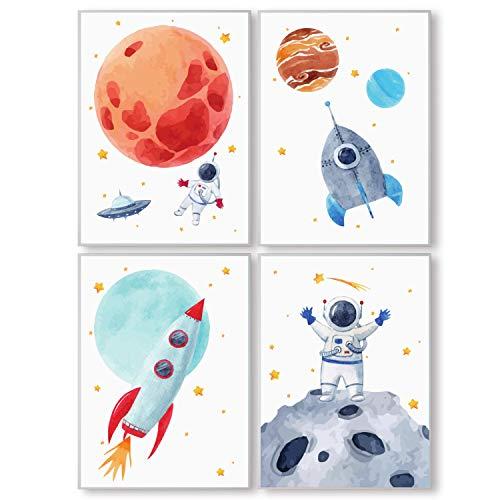 Pandawal Kinderzimmer Bilder für Junge und Mädchen Weltraum/Astronaut/Planeten Deko 4er Poster Set (S2) für Kinder Wandbilder im DIN a4 Format Kinderposter