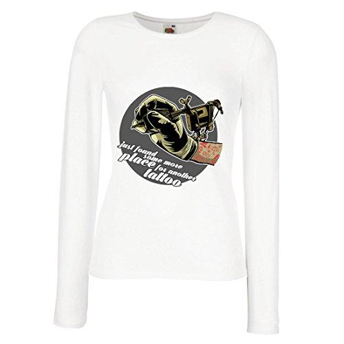 lepni.me Weibliche Langen Ärmeln T-Shirt Aerograph - Tätowierungs-Tinten-Maschine, ist Jeder Zoll Tätowiert, Coole Spitzen, Fan-Kleidung, Spaß-Geschenk-Ideen (Small Weiß - Billige Tätowierungs-tinte
