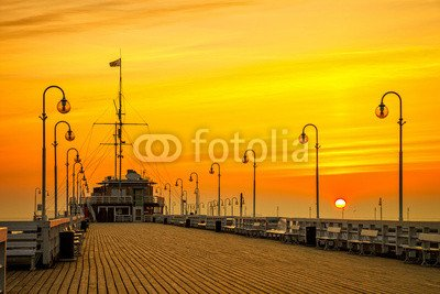 "Leinwand-Bild 80 x 50 cm: ""Sunrise at the wooden pier in Sopot, Poland."", Bild auf Leinwand"