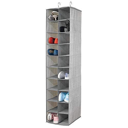 mDesign Schuhregal hängend - Schuhaufbewahrung mit 20 Fächern und strukturiertem Aufdruck - Geldbörsen, Handtaschen oder Schuhe platzsparend aufbewahren - grau