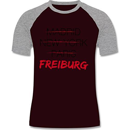 Städte - Weltstadt Freiburg - zweifarbiges Baseballshirt für Männer Burgundrot/Grau meliert