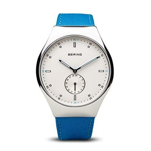 Bering tiempo 70142–604Hombres Smart viajero colección reloj con correa de nailon y Scratch Resistent cristal de zafiro. Diseñado en Dinamarca