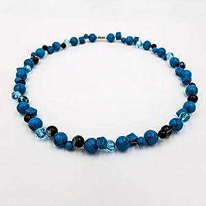"""Edelsteinkette inspiriert von Auguste Renoir""""Regenschirme"""" – blau Howlith (gefärbt) – 49 cm – charakterperle Design Edelsteinketten Damen echt kurz"""