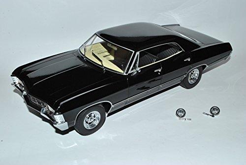 chevrolet-impala-sport-sedan-limousine-schwarz-supernatural-1965-1970-1-18-greenlight-modell-auto