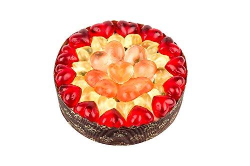 Herz Törtchen. Eine kleine Fruchtgummi-Torte mit Herz und Schaumartikeln. Der 310g Kuchen enthält eine Mischung aus Vanille-Marshmallows und Gummibonbons (gluten- und laktosefrei). (Marshmallow-kuchen)