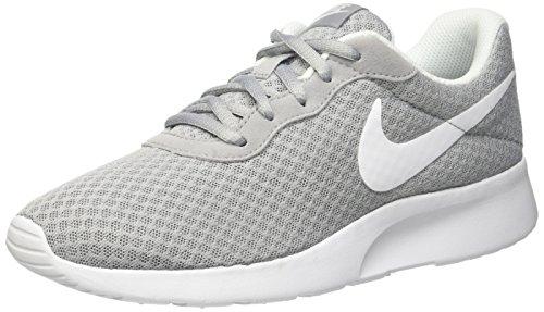 Nike Tanjun, Damen Laufschuhe, Grau (Wolf Grey/White), 39 EU (8 UK) (Schuhe Frauen Nike)