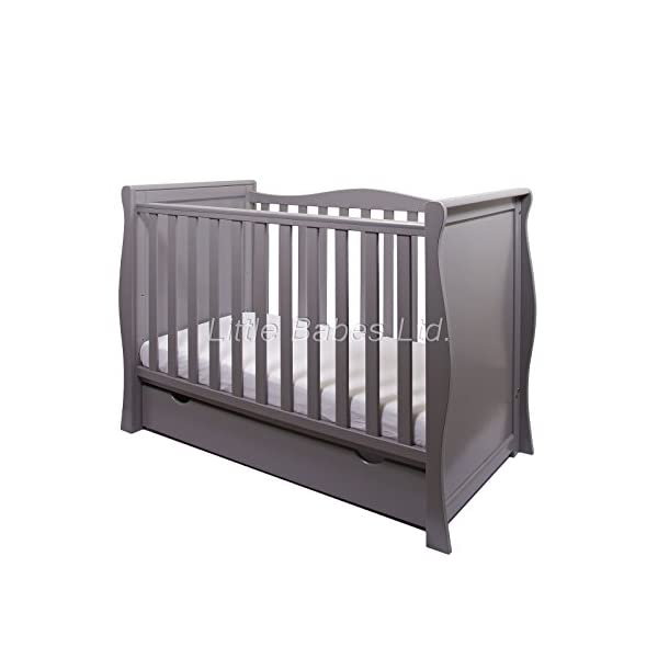 New Pinewood Grey Sleigh Mini COT Bed & Drawer ONLY LITTLE BABES LTD GREY SLEIGH MINI COT BED WITH DRAWER ONLY, NO MATTRESS INCLUDED *COMPLIES WITH CURRENT BRITISH & EUROPEAN STANDARDS BS EN 716-1: & 2:2008 + A1:2013* MINI COT BED FEATURES: -quality pine wood, -converts to junior bed and sofa, - 3 position mattress base, - teething rail on one side only, -one curved side, -strong base, -underneath drawer on runners included. 1