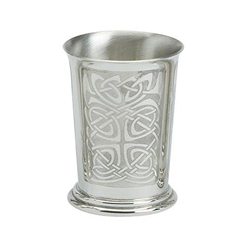 Edwin Flasque & Co Gobelet avec Flaired Dessus et roulé Traditionnel Motifs celtiques en étain,