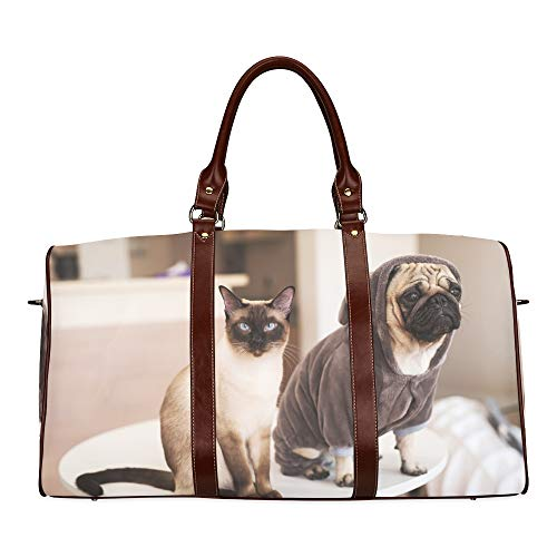 Reise-Seesack Mops und süße Katze sitzen zusammen wasserdichte Weekender-Tasche Übernacht-Tragetasche Handtasche für Damen Damen-Einkaufstasche mit Mikrofaser-Leder-Gepäcktasche (Für Menschen Mops-kostüme)
