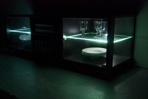 TV-BANK / Fernseh-Schrank / Sideboard in Escheoptik schwarz inkl. LED-Beleuchtung weiß – B 140 cm - 2