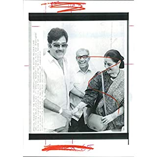 Vintage photo of Shatrughan Sinha and wife, Poonam.