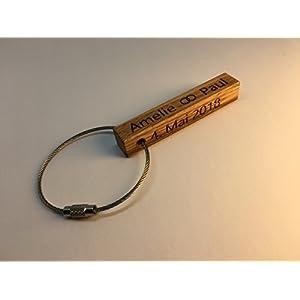 Schlüsselanhänger statt Tischkarte für Ihre Hochzeit in Eiche mit Wunschbeschriftung