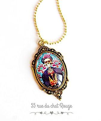 Collier pendentif cabochon verre Frida Kahlo style, tête de mort avec fleur, mexique, boho chic, gypsy, bohême chic, finition dorée