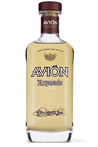Avión Reposado Tequila - Erstklassige Spirituose aus 100% blauer Agave mit blumigem Geschmack - Feinster Agavenschnaps 6 Monate im Eichenfass gereift - 1 x 0,7 L (Tequila-agave, Eine Pflanze)