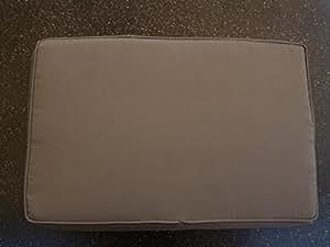 2 Stück Hockerauflagen Bankauflagen Maße: ca. 50x33x6cm Farbe: Taupe mit Reißverschluß
