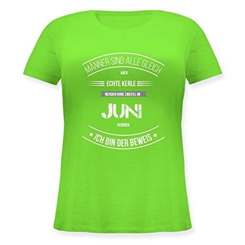 ... Größen mit Rundhalsausschnitt Hellgrün. Shirtracer Geburtstag - Echte  Kerle Werden IM Juni Geboren - Lockeres Damen-Shirt in Großen