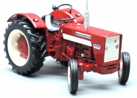 REP135 : Tracteur IH 523 2 roues
