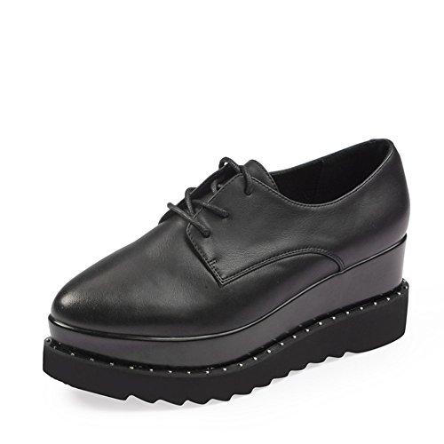Chaussures à semelles épaisses muffins à l'automne/chaussures avec une couleur unie/ chaussures pointues d'Angleterre A