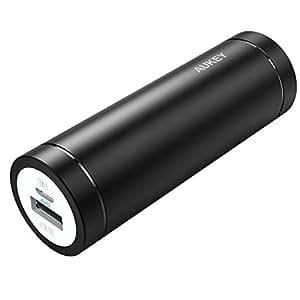 AUKEY Mini Batterie Externe 5000mAh Entrée 2A et Sortie 2A, pour iPhone, Huawei, HTC, SONY, etc., un Câble Micro USB 20cm (Noir)