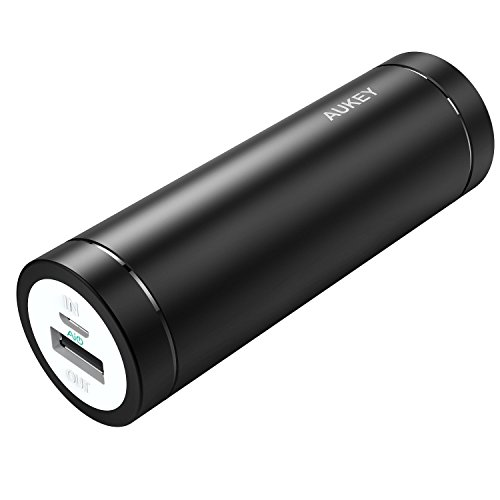 AUKEY Mini Batterie Portable 5000mAh Entrée 2A et Sortie 2A, pour iPhone, Huawei, HTC, Sony, etc., un Câble Micro USB 20cm...