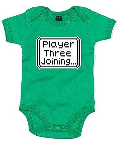 Player Three Joining..., Imprimé bébé grandir - Vert/Transfert 12-18