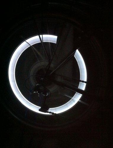 RBrothersTechnologie-2-Stck-LED-Ventilkappen-Radbeleuchtung-Licht-Felgenlicht-Tuning-Auto-WEISS
