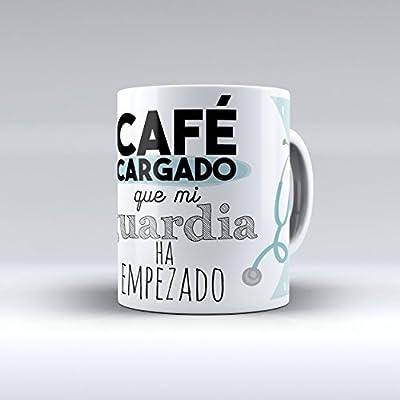 """Taza cerámica desayuno regalo original profesión médico """"Café cargado que mi guardia ha empezado"""""""