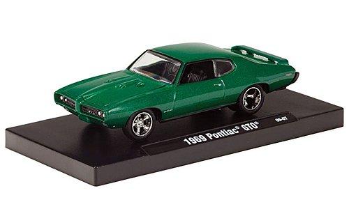 pontiac-gto-met-grun-1969-modellauto-fertigmodell-m2-machines-164