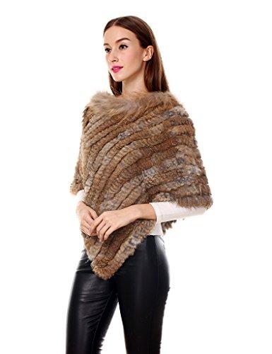 Ferand eleganter Damen Winter Poncho Dicker Cape Warm aus Gestricktem Kaninchenpelz mit Waschbärpelzkragen und Asymmetrischem Saum Naturbraun