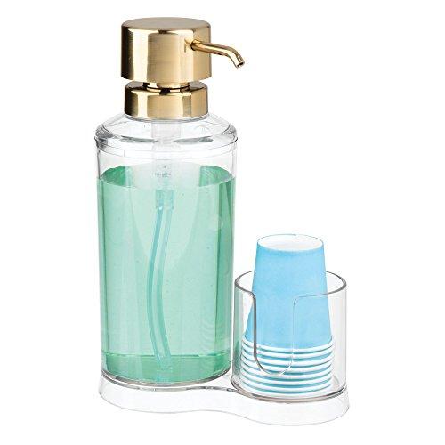 mDesign Dispensador de enjuague bucal con portavasos – Expendedor de plástico para enjuague con 8 vasos pequeños – Prácticos accesorios para baño para la higiene oral – transparente y cobre