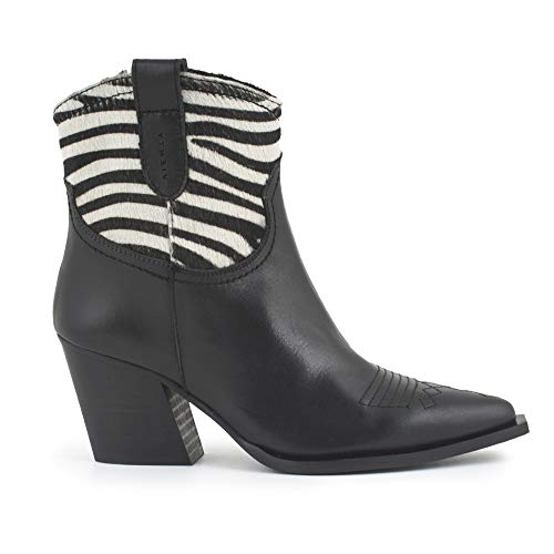 Given Leather Zebra Boot