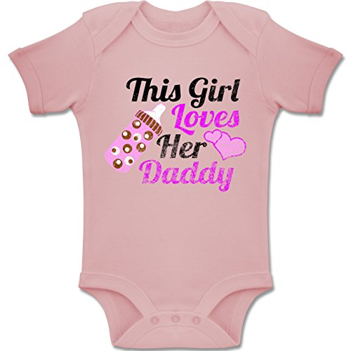 Baby - This Girl loves her Daddy - Vintage look - 1-3 Monate - Babyrosa - BZ10 - Baby kurzarm Body Strampler (Daddys Girl Shirt)