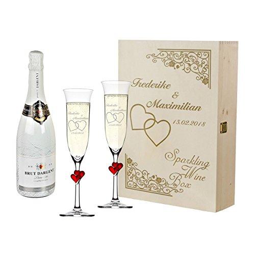polar-effekt 2 rote Sektgläser mit Sekt-Flasche im Geschenkbox - Personalisiert mit Gravur - Geschenkidee für Paare zur Hochzeit Sektglas-Set - Motiv Vintage mit Herzen - Glas Sekt Flasche