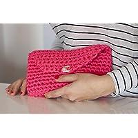 Bolso rosa de trapillo con botón de madera.
