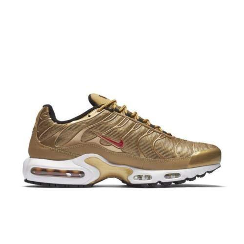Nike AIR MAX Plus QS Größe: 7 Farbe: Metalic GO Farbschema: Gold